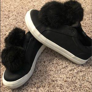 Mossimo Black Pom Pom shoes size 7.5